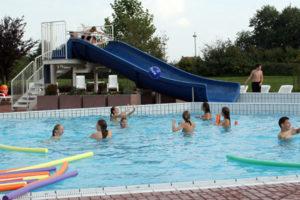 regenbogen-schwimmbad-draussen-web-motiv_6854