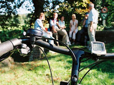 E-Bike nordkirchen-Radlergruppe hintern Lenker klein©Muensterland e.V._Kai Schnek